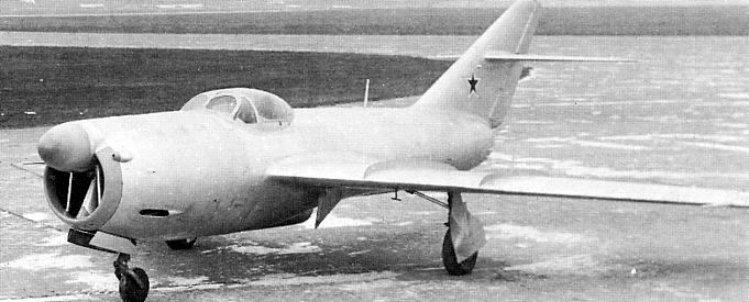 Mikoyan-Gurevich MiG I-320 R-2/3 - The MiG-15's Long Lost